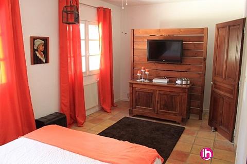 Location de meublé : A 10 mn de Bollène 2 pièces 40 m² avec terrasse jardin et piscine