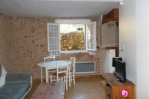 Location de meublé : PIERRELATTE, TRICASTIN  Appartement duplex 2 pièces, centre ville Bagnols sur Ceze