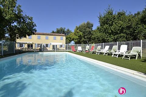 Location de meublé : TRICASTIN GRIGNAN BOLLENE PIERRELATTE, villa récente 10/12 personnes à Colonzelle