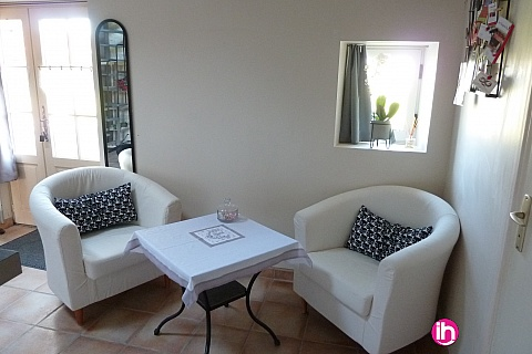 Location de meublé : CHINON Maison rénovée à la Tour-Saint-Gelin
