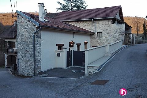 Location pour salarié en déplacement de meublé : BUGEY, Jolie maison au calme à Seillonnaz