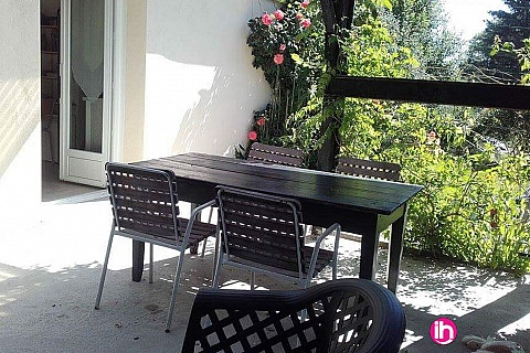 Location de meublé : LIMOGES , Appartement noir et anis à Compreignac