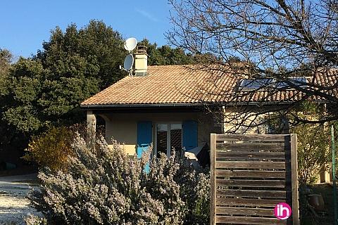 Location de meublé : TRICASTIN BOLLENE MONTELIMAR Le Loulou Grand studio CLIMATISÉ  avec terrasse Grignan
