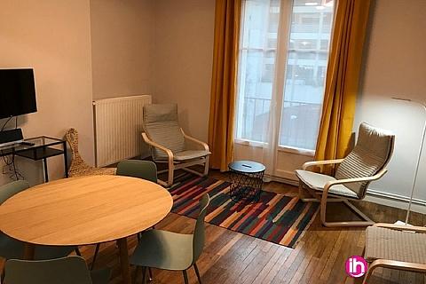 Location de meublé : POITIERS  appartement situé face à la gare, 2ème etage