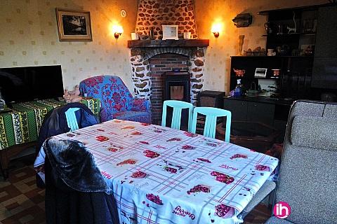 Location de meublé : DAMPIERRE MAISON 3 CHAMBRES
