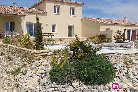Location pour salarié en déplacement de meublé : Villa neuve tout équipée Sud Ardèche avec piscine