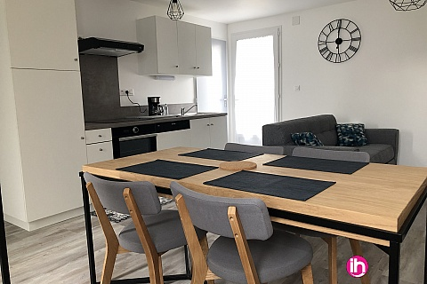 Location pour salarié en déplacement de meublé : CIVAUX, Maison de 60m² restaurée à Lussac Les Châteaux