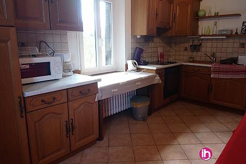 Location pour salarié en déplacement de meublé : LA BUSSIERE grande maison de 4 chambres