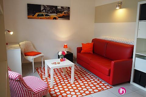 Location de meublé : TOURS studio cosy, charme, hypercentre, calme, commerces, plein centre